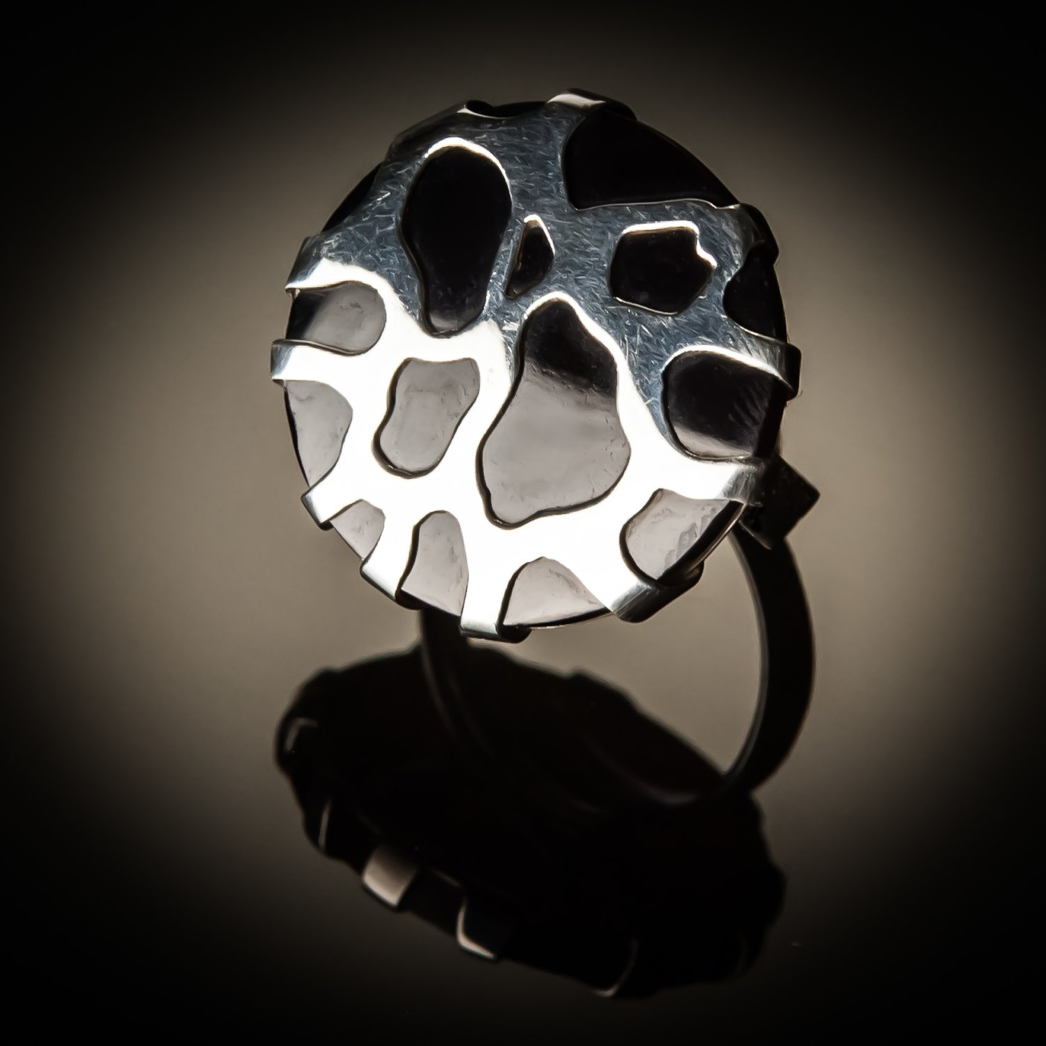 Black Shell Sterling Silver Cobweb Design Ring