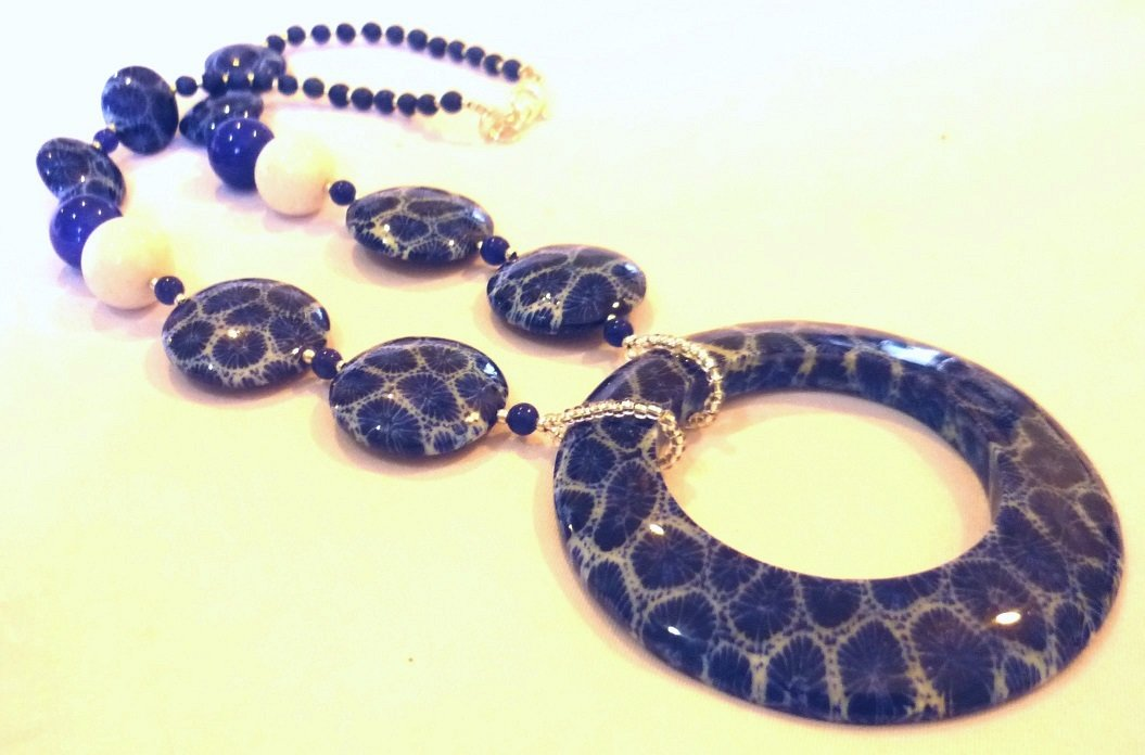 Blue Coral White Coral Short Necklace
