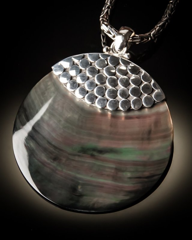 Gray Mother of Pearl Round Sterling Silver Pendant