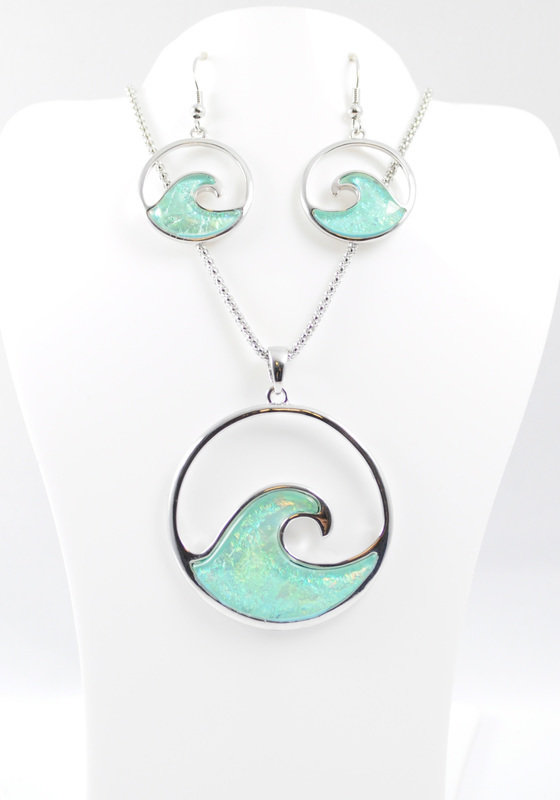 Ride the Wave Necklace and Earrings Set