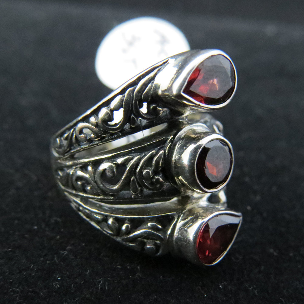 Sterling Silver Ornate 3 Garnet Ring