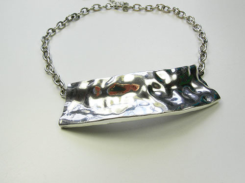 Metal Necklace with LG Pendant