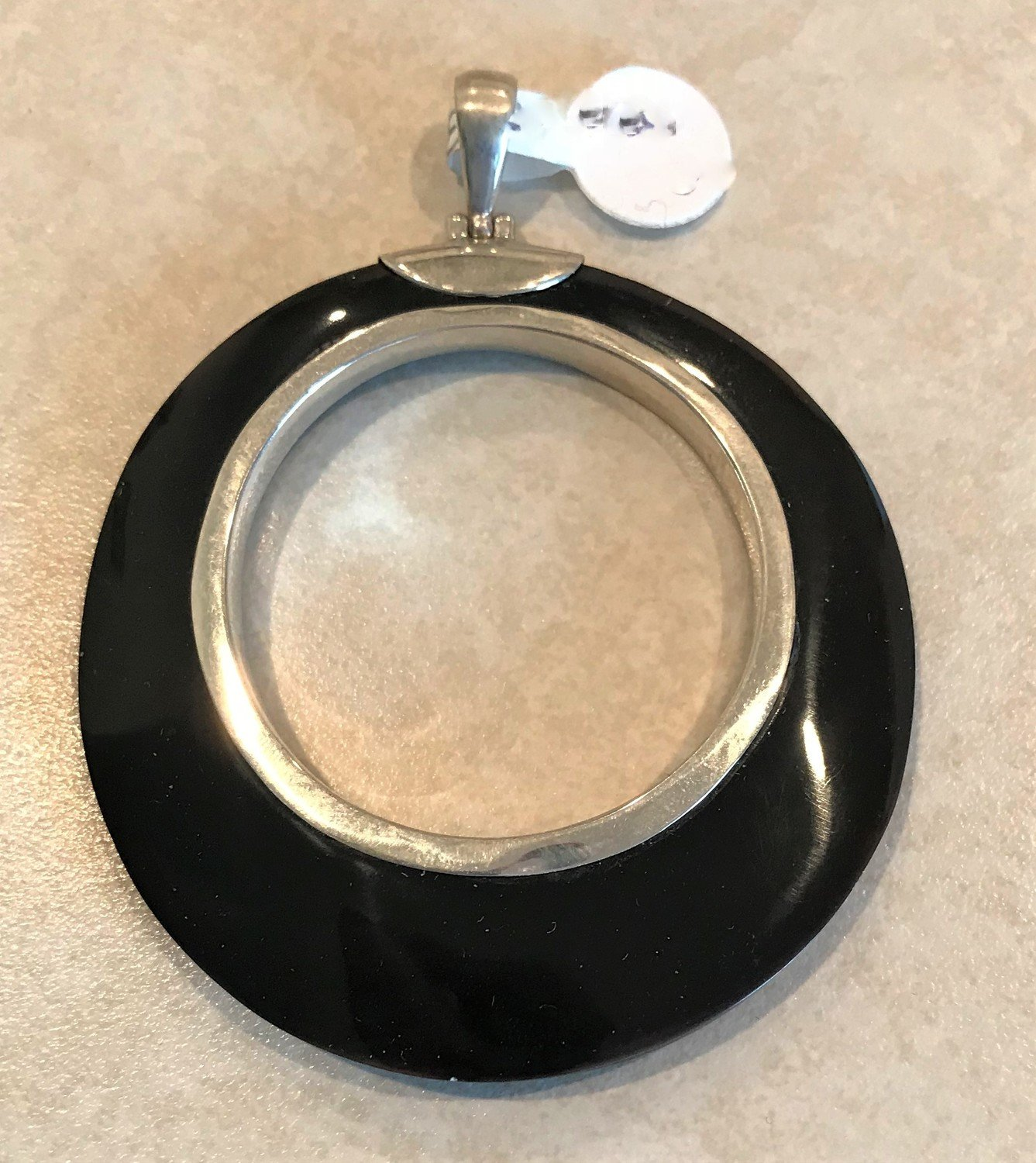 Sterling Silver Black Shell Round Open Pendant