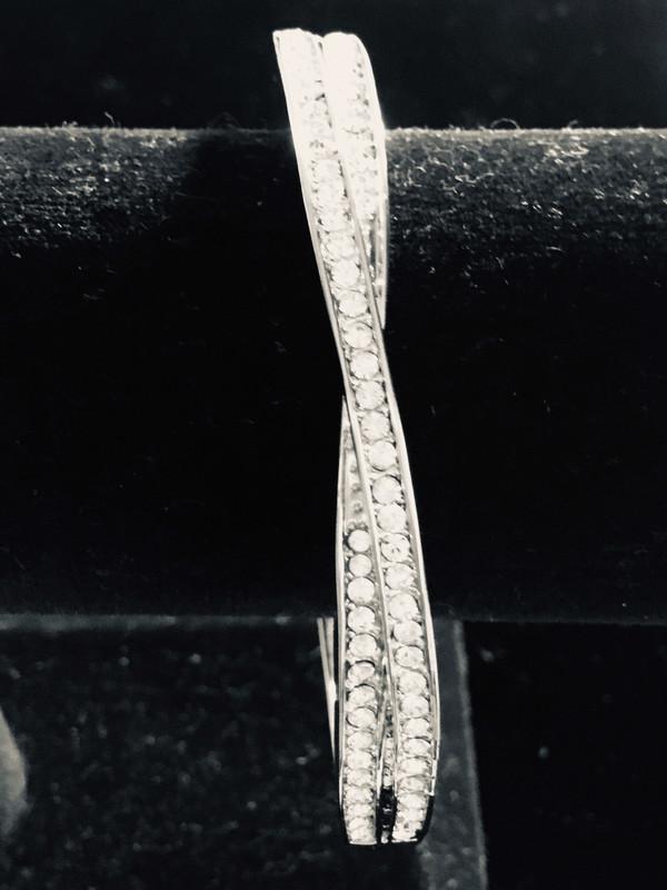 Crossover Crystal Bracelet