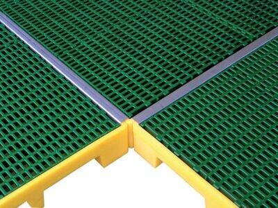 Couvre-joints inox pour jonction de plateformes