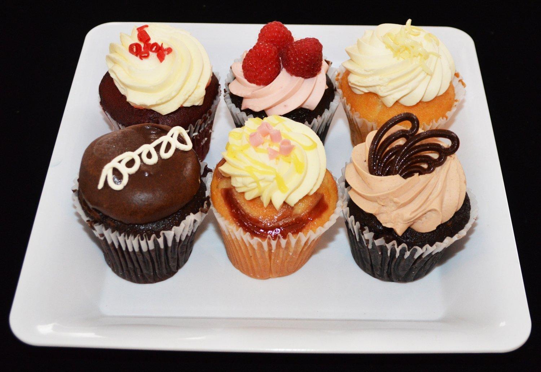 6 pack Variety Cupcakes