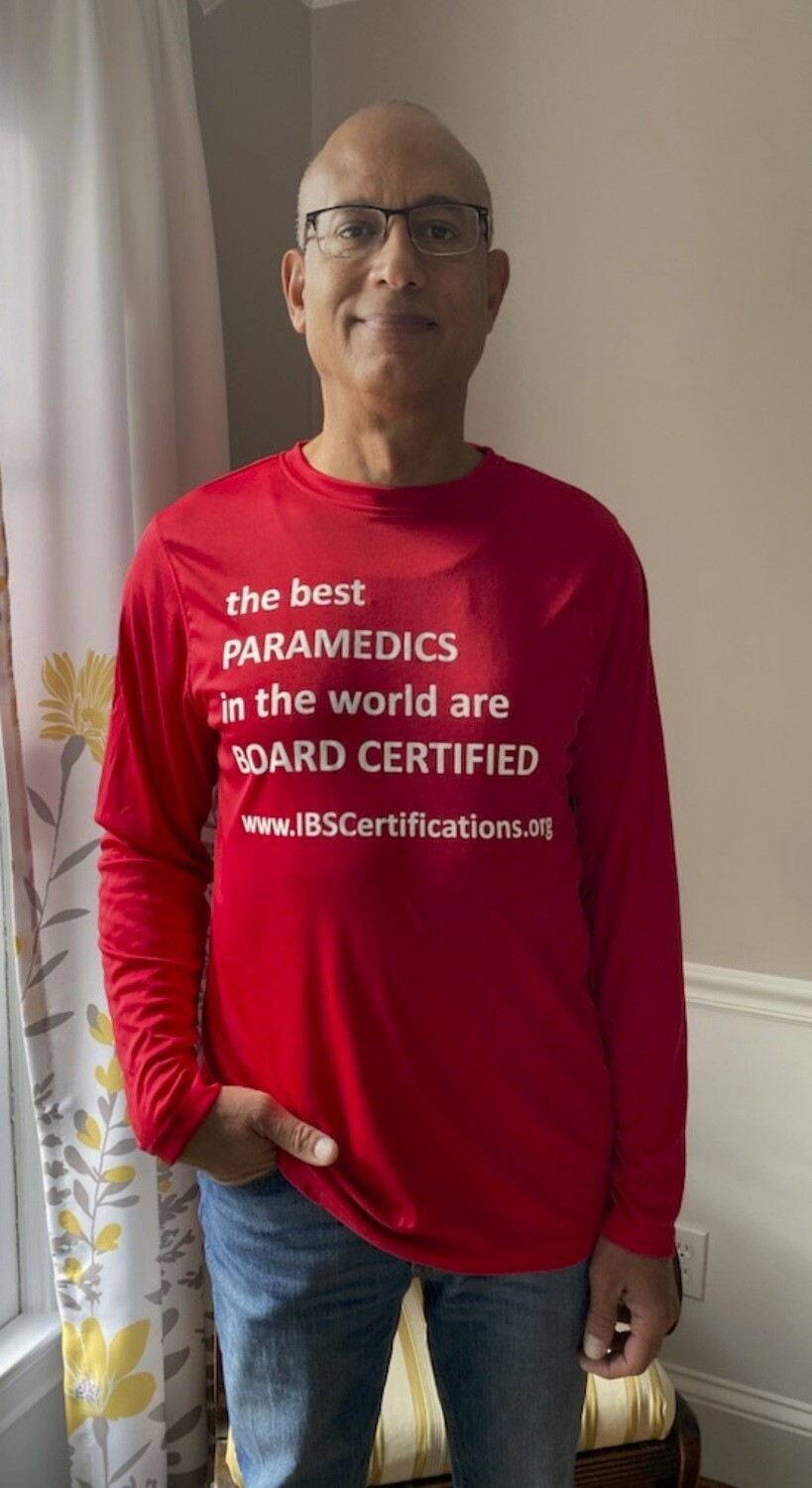 Best Paramedics in the World T-shirt - Red/Long sleeve