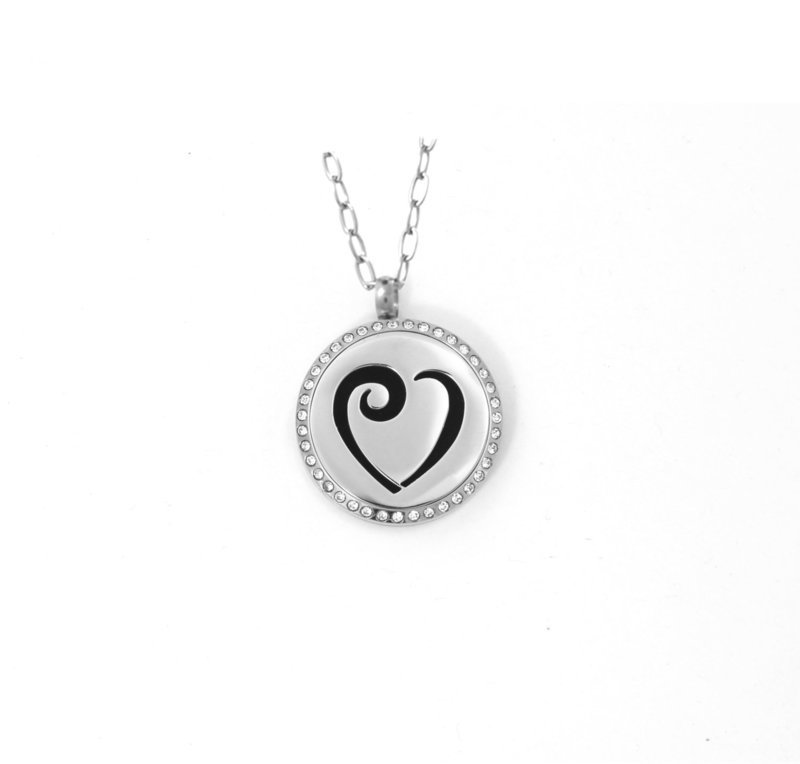 Diffusing Magnetic Heart Pendant with Crystals - includes Two Leather Inserts