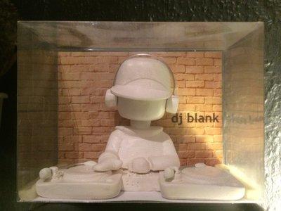 DJ Blank nodding model