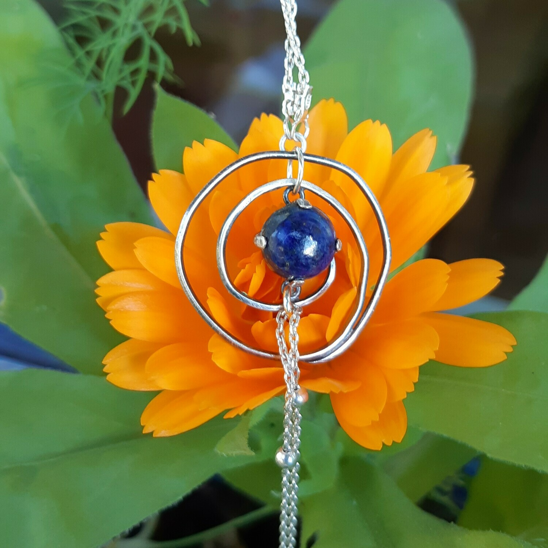 "Collier ""Spirale et lapis-lazuli"""