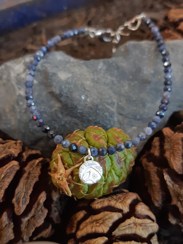 """Bracelet """"Saphir bleu et pendentif fait main"""""""
