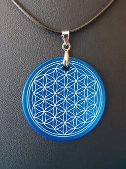 Pendentif plaque Tesla fleur de vie bleu Indigo