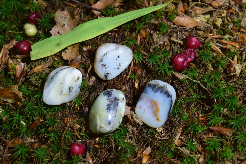 Opale bleue des Andes roulée