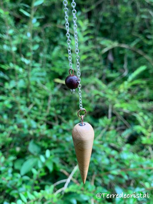 Pendule artisanal en bois de séquoia