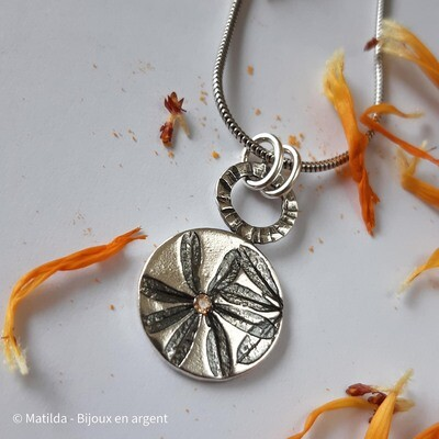 "Pendentif ""Fleur de Gaillet"""