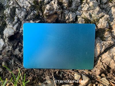 Plaque Tesla bleue format carte de crédit