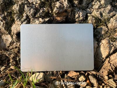 Plaque Tesla Argent format carte de crédit