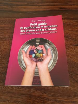 Livre : petit guide de purification et entretien des pierres et des cristaux