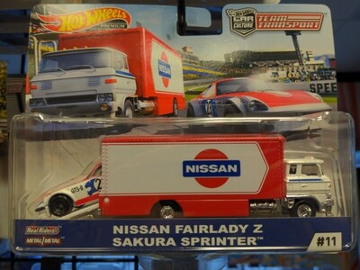Hot Wheels - Team Transport - Nissan Fairlady Z Sakura Sprinter