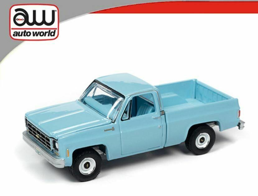 Auto World 1:64 Hemmings Motor News - 1979 Chevrolet Scottsdale - Blue