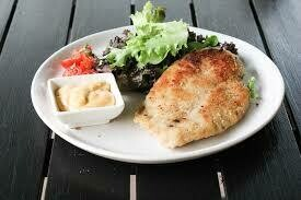 Air fried Chicken schnitzel , with vegetables Family of 6