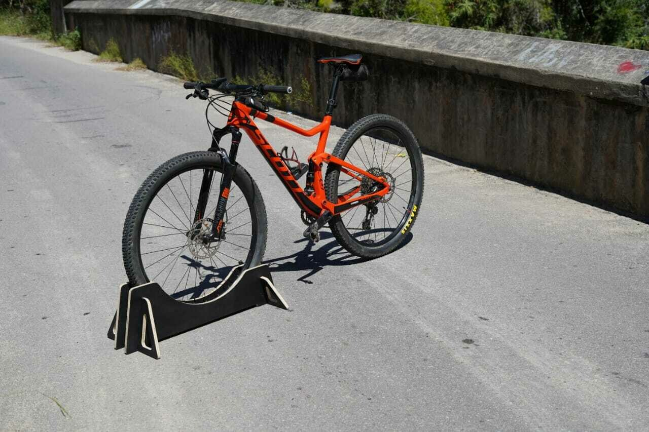 Cross country 2.3 inch 60 mm tire bicycle rack