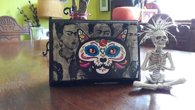Frida Kahlo's black cat