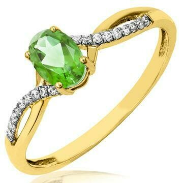 Oval Peridot Ring with Diamond Accent and Split Shoulders Yellow Gold