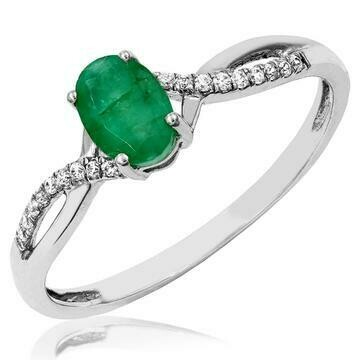 Oval Emerald Ring with Diamond Accent and Split Shoulders White Gold