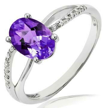 Oval Amethyst Ring with Diamond Accent and Split Shoulders 14KT Gold