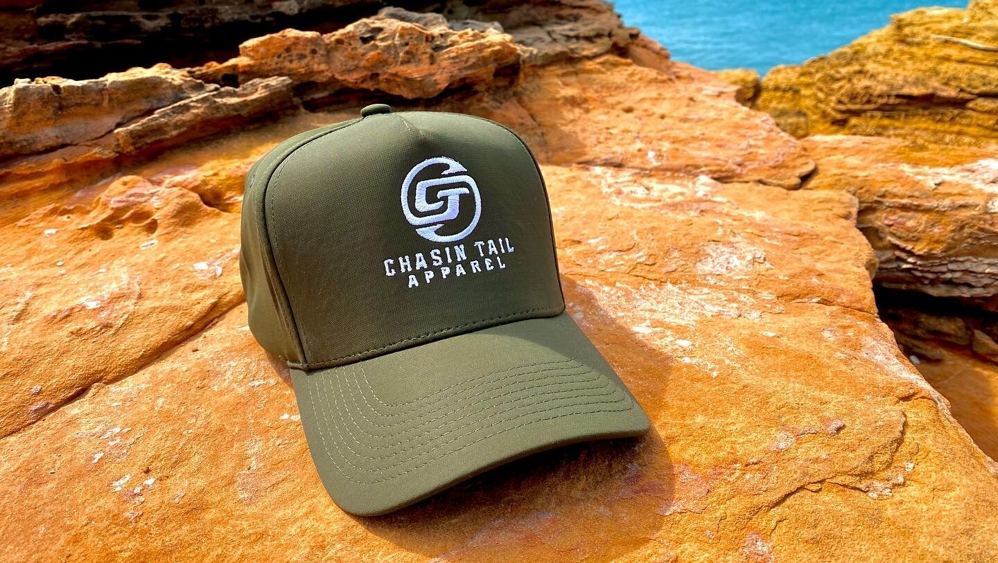 CHASIN TAIL SIGNATURE D-LUX 5 Panel Trucker Hat. Olive