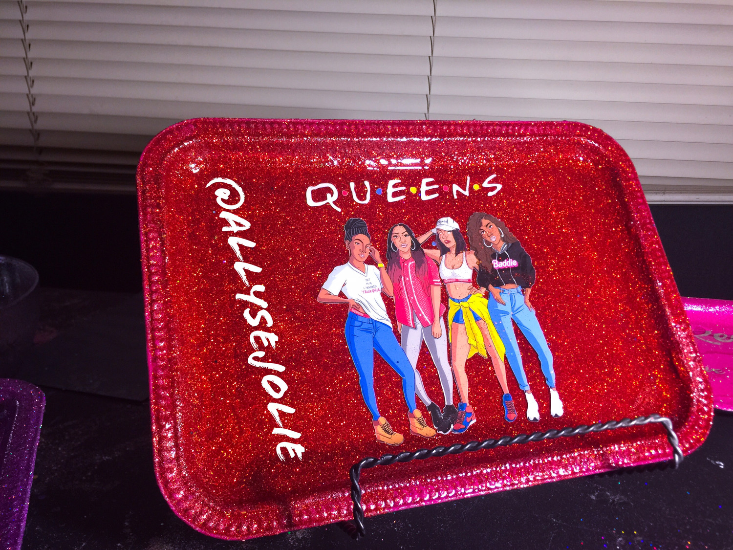 Queens Red Glitter Rolling /Vanity Tray Set
