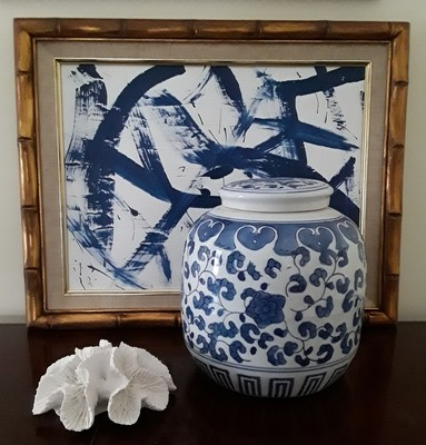 Vintage Blue and White Chinese Porcelain Ginger Jar with Lid