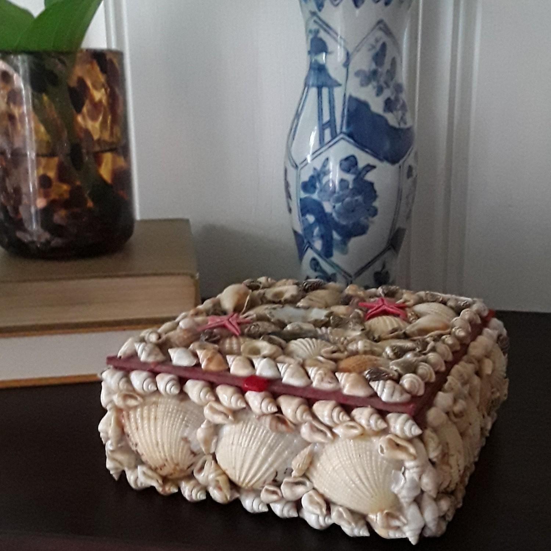 Vintage Square Shell Sailor's Valentine Box