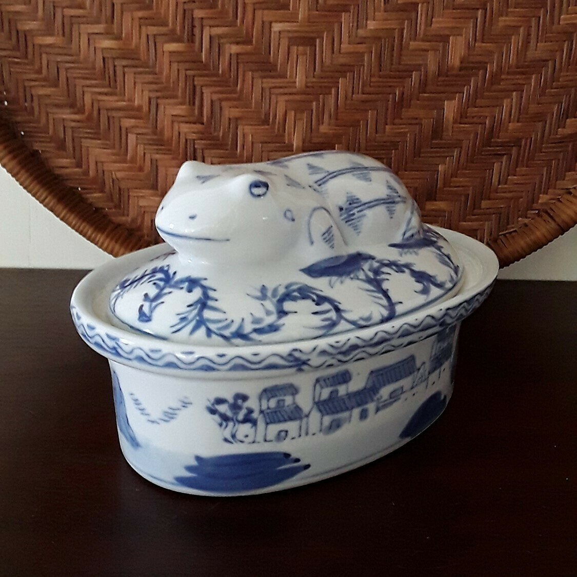 Vintage Blue and White Porcelain Frog Lidded Dish