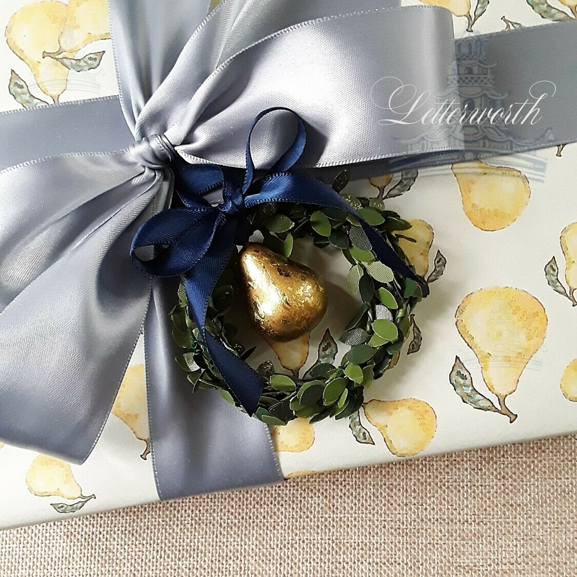 Handcrafted Wreath with Gilded Pear Gift Toppers/Ornaments (Set of 6)