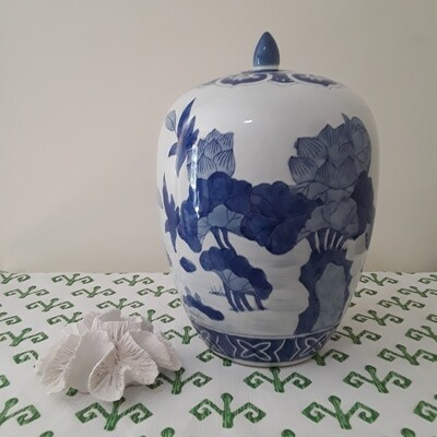 Large Vintage Blue and White Chinese Porcelain Lotus Jar