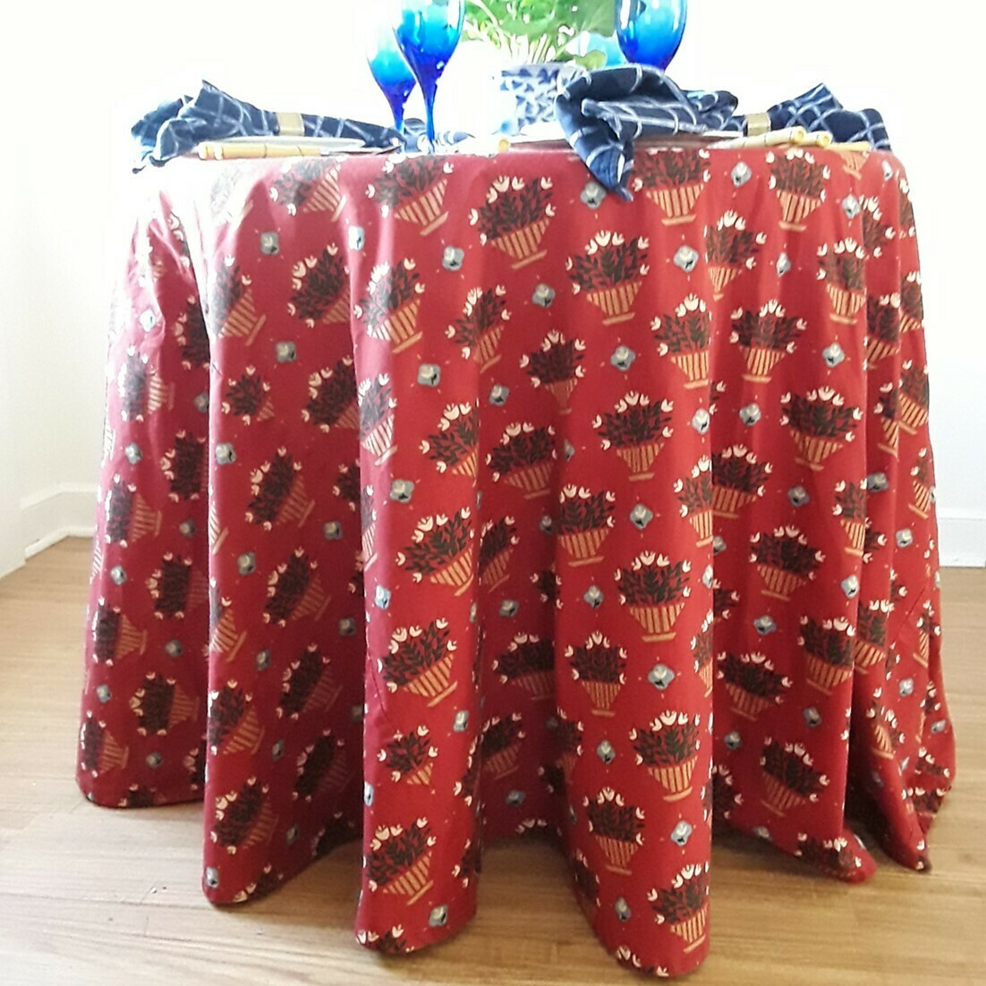 """Vintage Custom Red Floral Print Round Fabric Tablecloth 97"""" Diameter"""