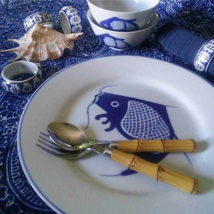 Set of 4 Vintage Blue and White Chinese Porcelain Koi Fish Dinner Plates