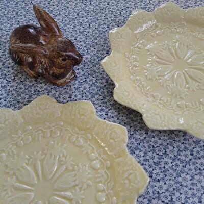 Vintage Bordallo Pinheiro Yellow 'Rabbits' Salad or Accent Plates (Set of 2)