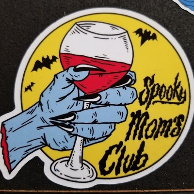 Spooky Moms Wine (sticker)