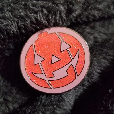 Jack-o-lantern Concha pin *glitter*