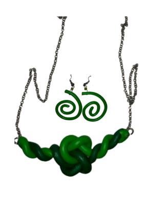 Necklace + earrings green