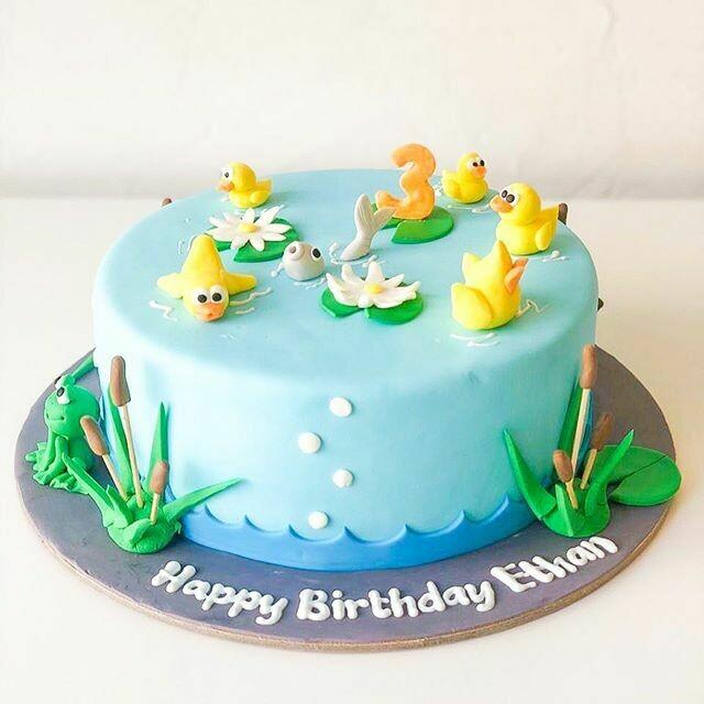 Ducks and Ducklings Cake