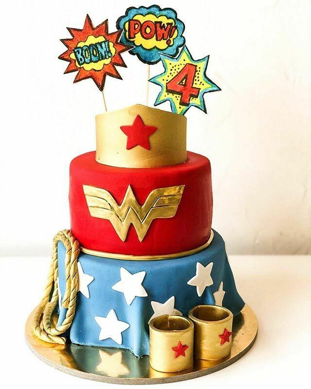Wonder Woman Theme Cake