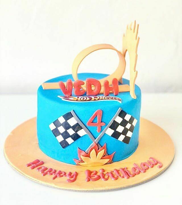 Hot Wheels Race Track Cake