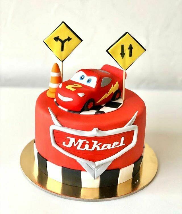 Lightening Mcqueen Cake - 3D