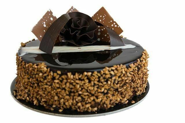 Rose Noire Cake