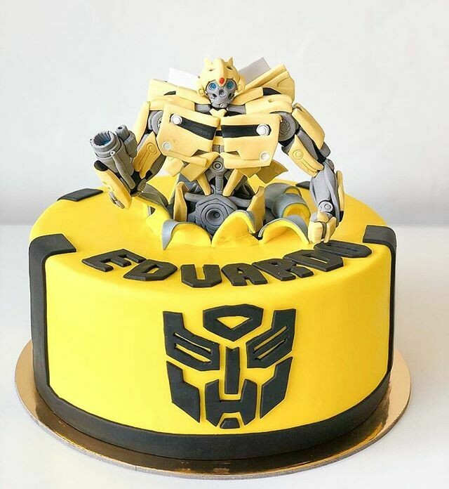 Bumble Bee / Transformers Cake - 3 D