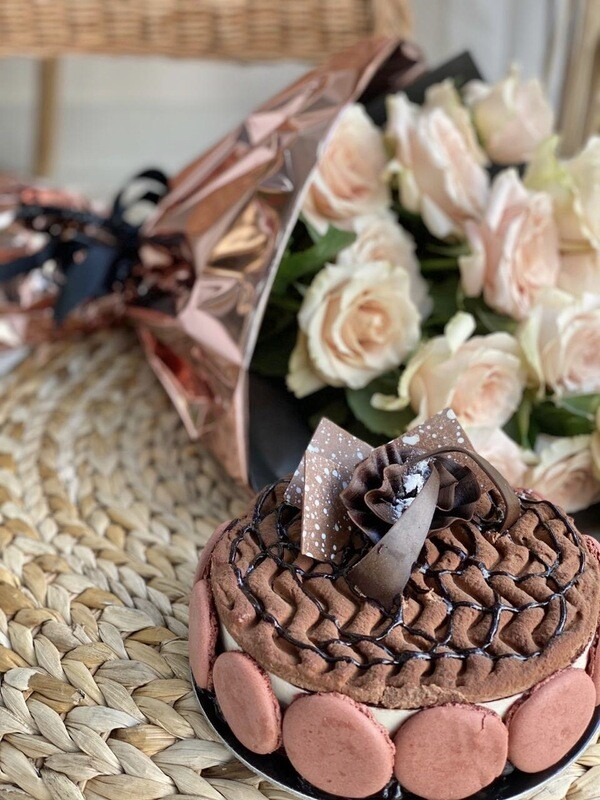 Triple Chocolate Cake with Roses